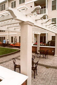Shakespeare-Pergola-patio1-200x300