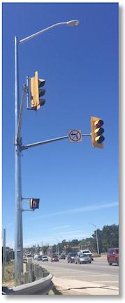 Section-MAX-Traffic-Light-Signal-Pole-2-SM-8935-Valmont_web