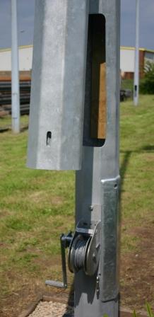Derwent-Mid-hinged-Octagonal-Column