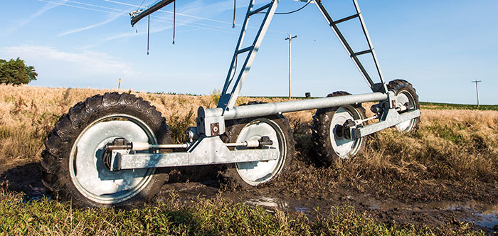 valley articulating 4-wheel drive - irrigation tires