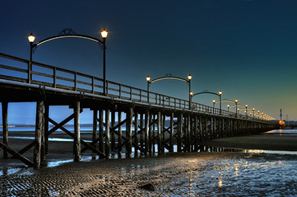 Valmont-Area-Lighting-Decorative-Pier-Canada