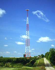 Valmont-Self-Supporting-Tower-CountryRoad-PiRod